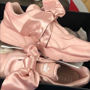 FENTYxPuma Bow Sneaker-Pink